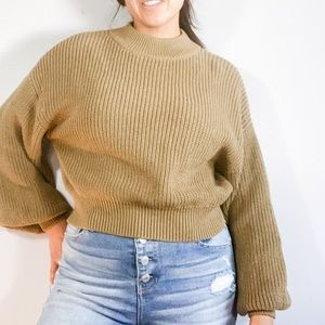 Chunky Cropped Ribbed Pullover Sweater